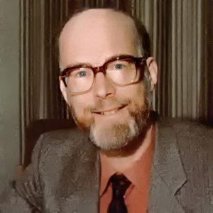 Родился Ч.Э.Р. Хоар разработчик аксиоматического подхода