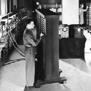 Джон Мокли и Дж. Преспер Экерт представили ENIAC