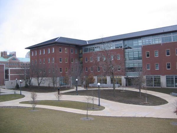 Открыт Национальный центр суперкомпьютерных приложений (NCSA)