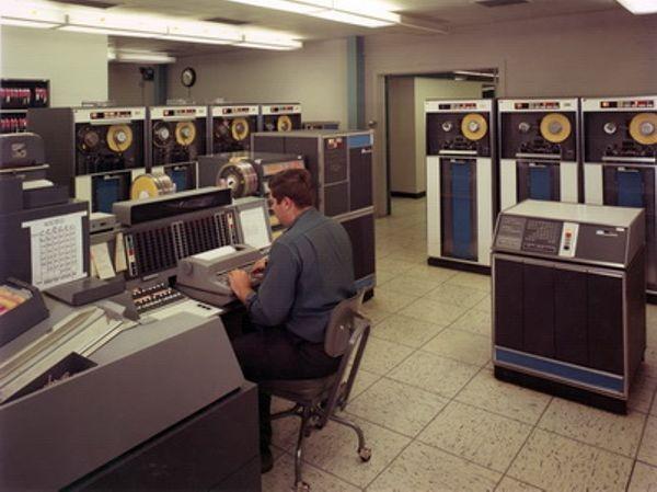 IBM вывела из эксплуатации свой последний мэйнфрейм STRETCH