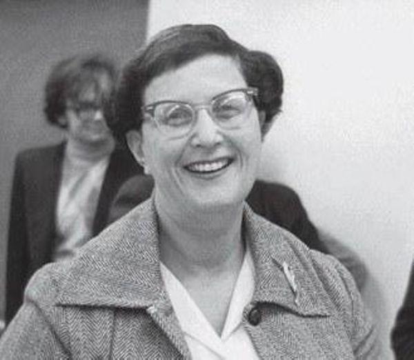 Родилась одна из основоположниц компьютерных технологий Джин Саммет