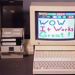 Представлен компьютер Apple IIc