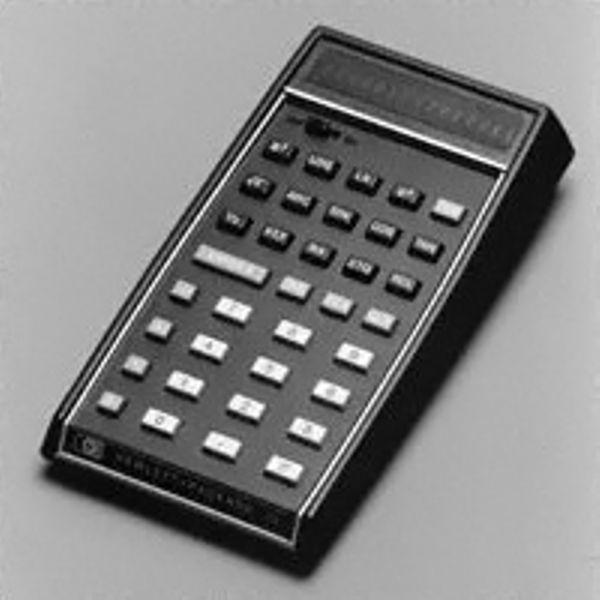 Hewlett-Packard представила первый научный портативный калькулятор HP-35