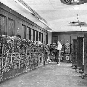 Подписан контракт на создание ENIAC