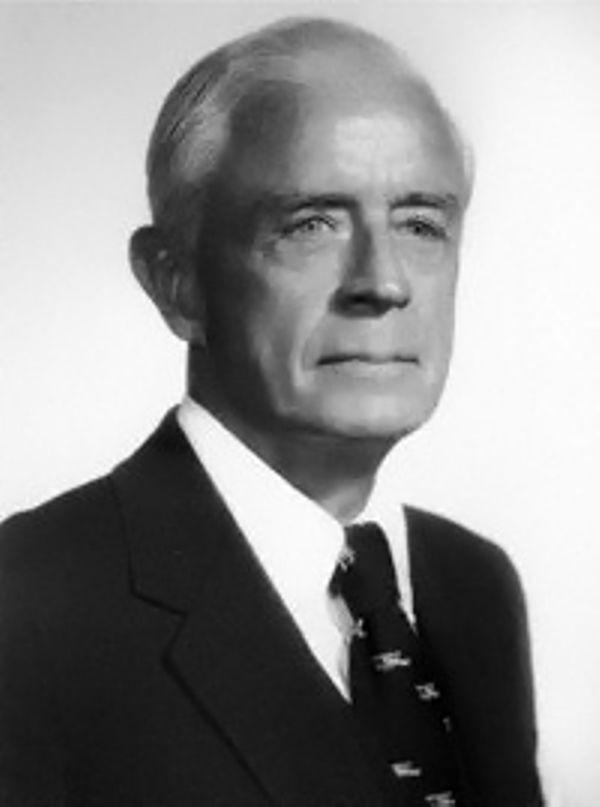 Томас Дж. Уотсон-младший (IBM) спрогнозировал замену движущихся частей электроникой