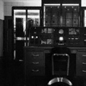 Национальное бюро стандартов США запустило компьютер SWAC