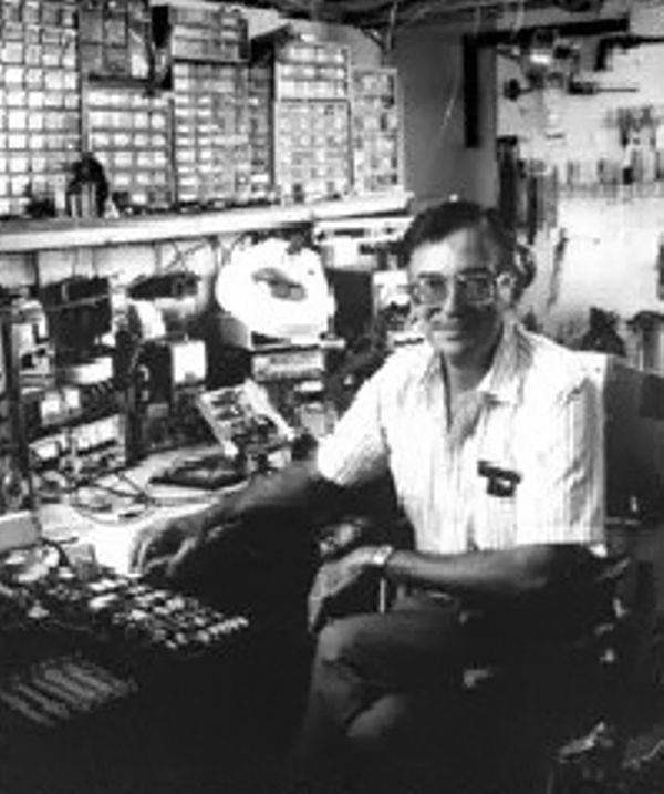 Родился один из изобретателей микропроцессора Эдвард Хофф