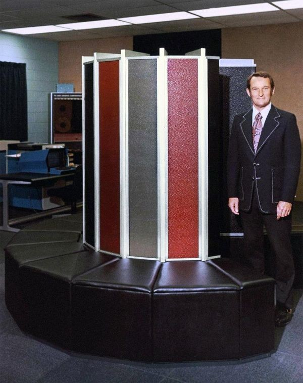 Родился пионер отрасли суперкомпьютеров Сеймур Крэй