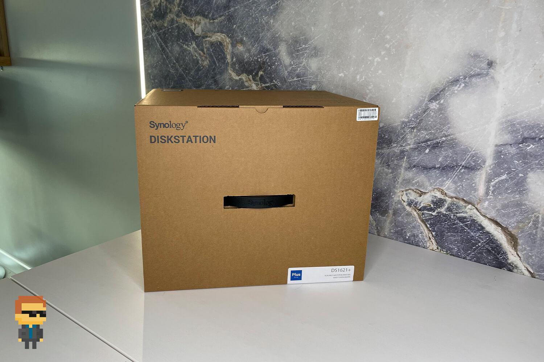 Обзор NAS Synology DS1621+ – упаковка