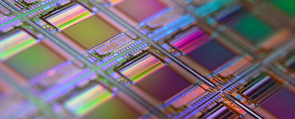 Intel привлекает клиентов технологией 3D-чипов
