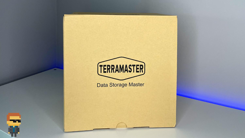 Обзор TNAS TerraMaster F2-422 10Gb — упаковка
