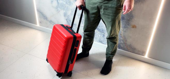 "Обзор Ninetygo Business Travel Luggage 20"" — красного бизнес-чемодана на колесах"